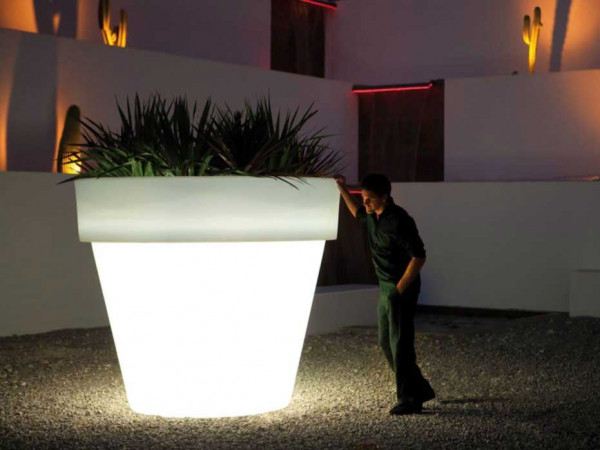 Beleuchtbarer XL-Blumentopf Maceta