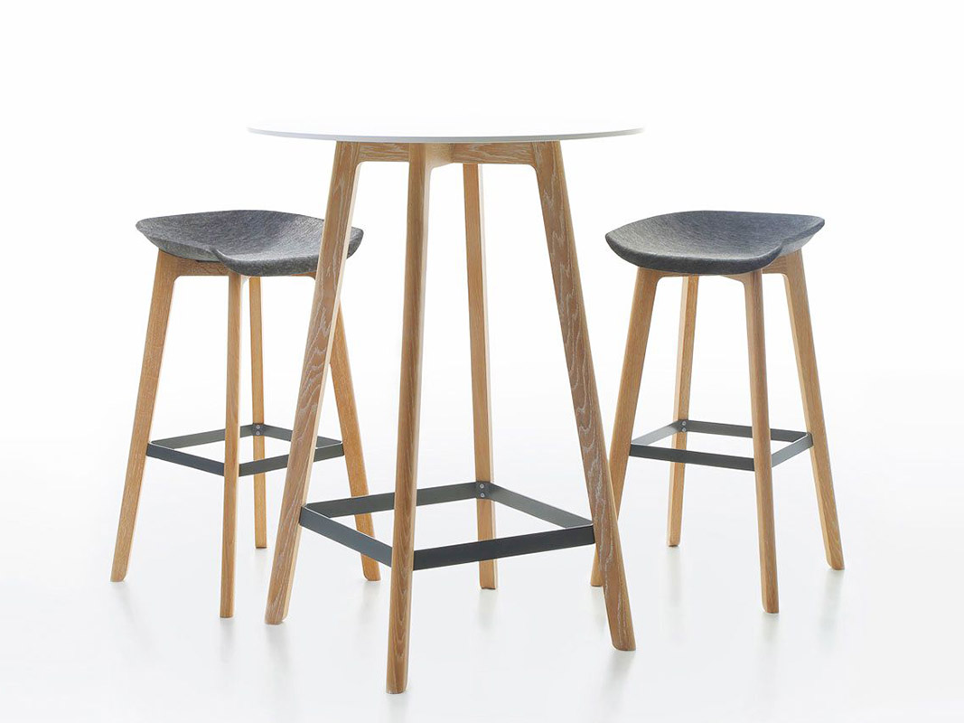 Conmoto barhocker filz chairman wood online kaufen for Barhocker filz